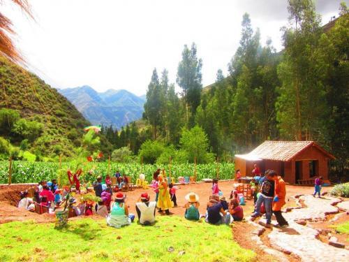 Aldea Yanapay Lamay Valle Sagrado (1)